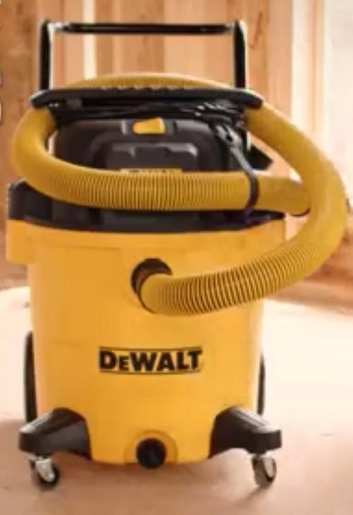 DeWalt DXV10P Shop Vac in Yellow/Black